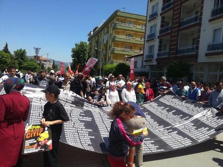 Soma'da ölen 301 madenci anıldı: Senin için fıtrat; bizim için eş, baba, evlat'