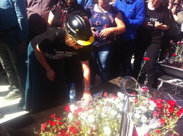 Soma faciasını anma yürüyüşünde 'Hırsız katil AKP' sesleri yükseldi