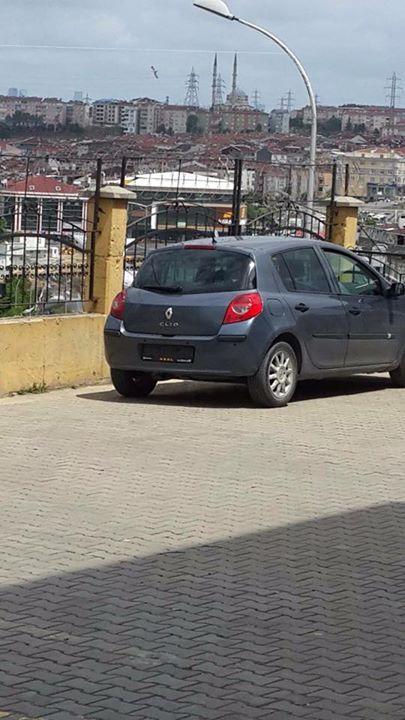 Plakasız araçların plakalarını taktıralım ya da araçları engelleyelim!