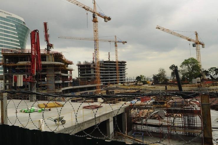 Ataköy sahiline 70 metrelik 'duvar' çekecek Sea Pearl inşaatı mühürlendi