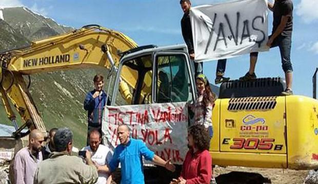 Kaçkar'a giren iş makinalarını halk durdurdu: Karadeniz 'Yeşil Yol' istemiyor!