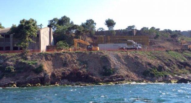 Arkeologlar Derneği: Yassıada ve Sivriada'da inşaat başladı