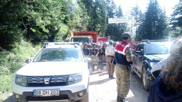 Cerattepe'de jandarma halkın önünü kesti: Her an saldırı olabilir
