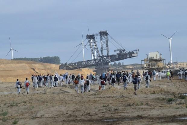 Almanya'daRhineland kömür madenlerine karşı dev eylem