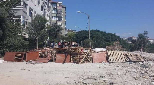 Ambarlı'daki yıkıma karşı halk barikatlar kurdu
