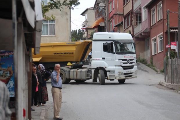 Katil projelerin çaprazında Gümüşdere: O kamyonlar bu köyden geçmeyecek!