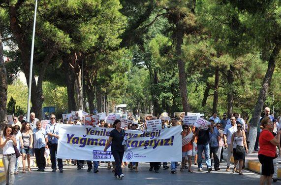"""Bakırköy Ruh ve Sinir Hastalıkları Hastanesi emekçileri: """"Yenilenmeye değil yağmaya karşıyız"""""""