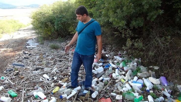 Önlem alınmadı böyle oldu: İçme suyu havzasında ilaç kutusu yığını