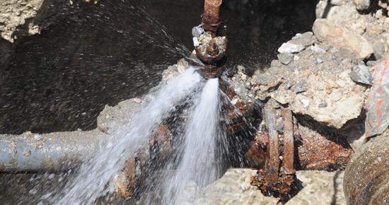 Yıllık 2 milyar metreküp suyumuz musluğa ulaşmadan kaybolup gidiyor!