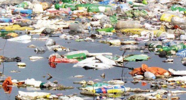 Binlerce ton çöp Ege Denizi ve Bafa Gölü Tabiat Parkı'na döküldü!