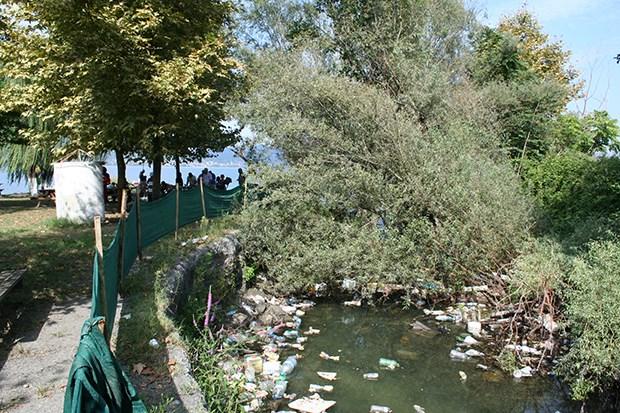 Sapanca Gölü'nü besleyen dereler çöp içinde