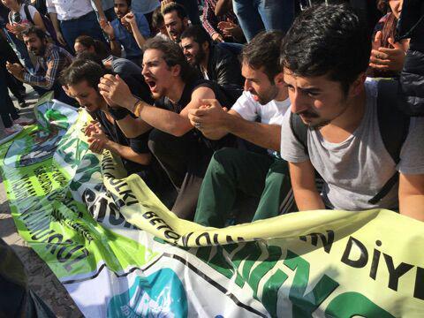 Albatros'ta AKP'nin polisi ile CHP'nin zabıtası kol kola halka saldırdı