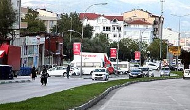 Bursa'da Başbakan'ın mitingi için ağaçlar söküldü