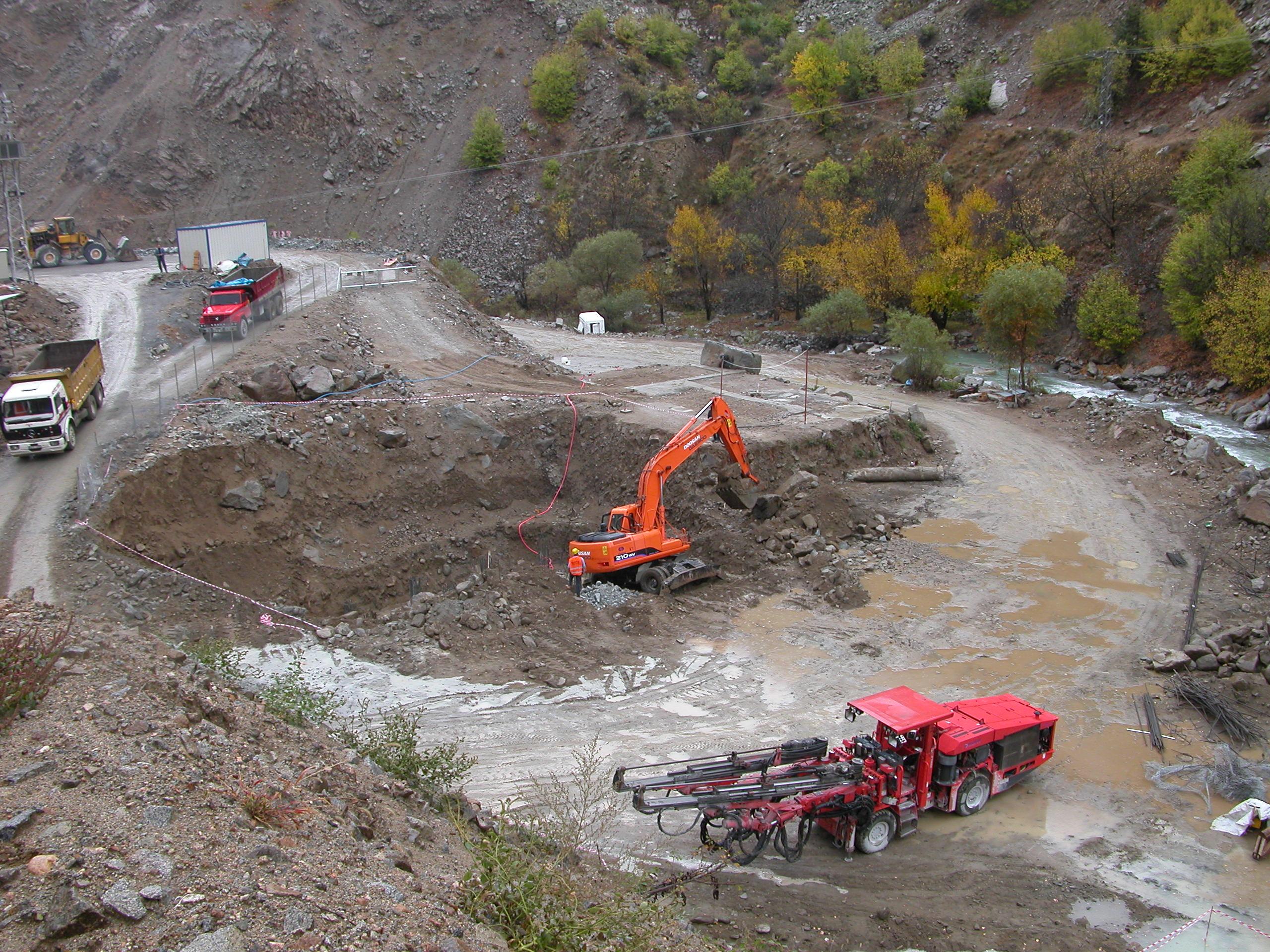 'Efemçukuru altın madeni tamamen kapatılmalıdır'