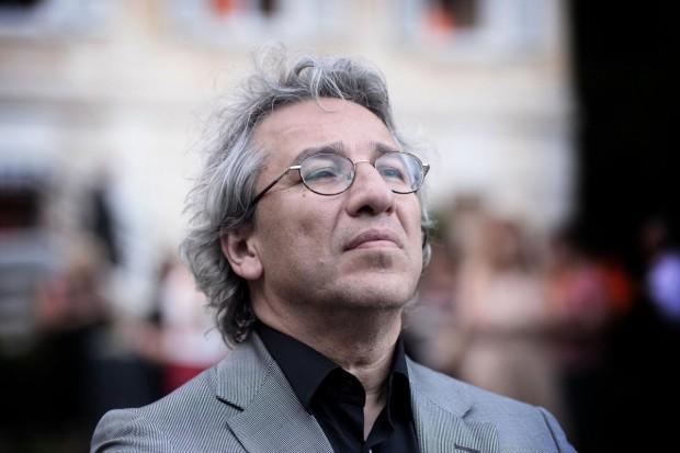 Can Dündar, 25 Aralık soruşturması yazı dizisinden yargılandığı davadan beraat etti