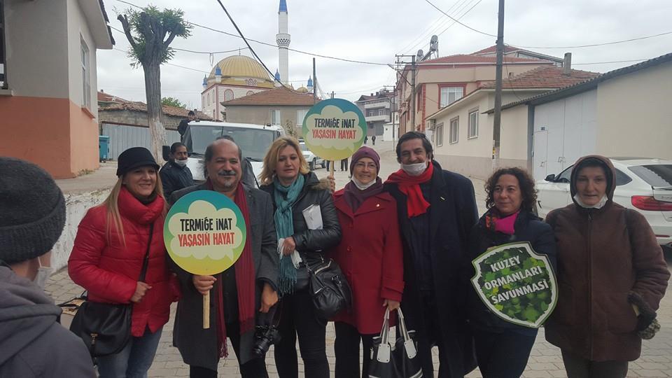 Şirinçavuş'ta dışarıda termik protestosu içeride ÇED toplantısı