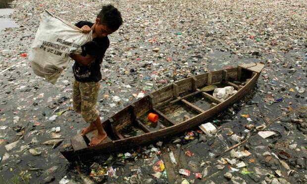 2050 yılında okyanuslarda balıklardan daha çok plastik olacak