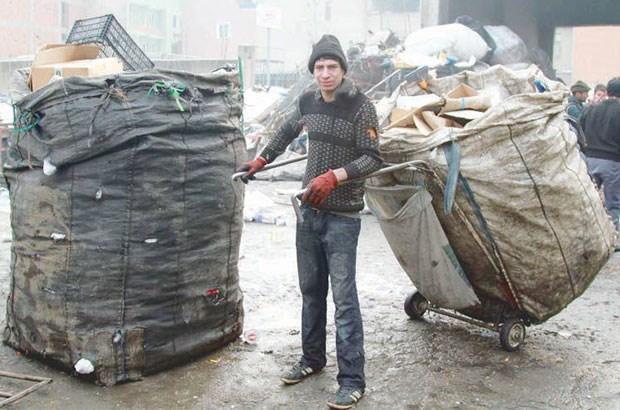 Bakanlık 500 bin kağıt toplayıcısını işsiz bıraktı