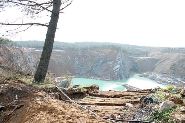Burası da İstanbul'un Cerattepesi! İşte Ayazağa'da maden şirketlerinin eseri!