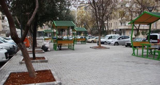 Antep'te ağaçlar kesilip beton parklar yapılıyor