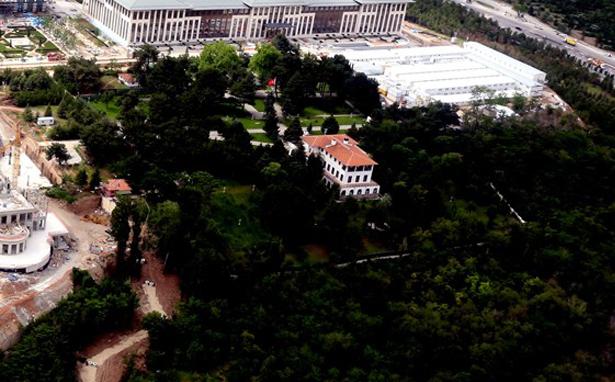 AOÇ'deki Marmara Köşkü'nün yıkımına durdurma