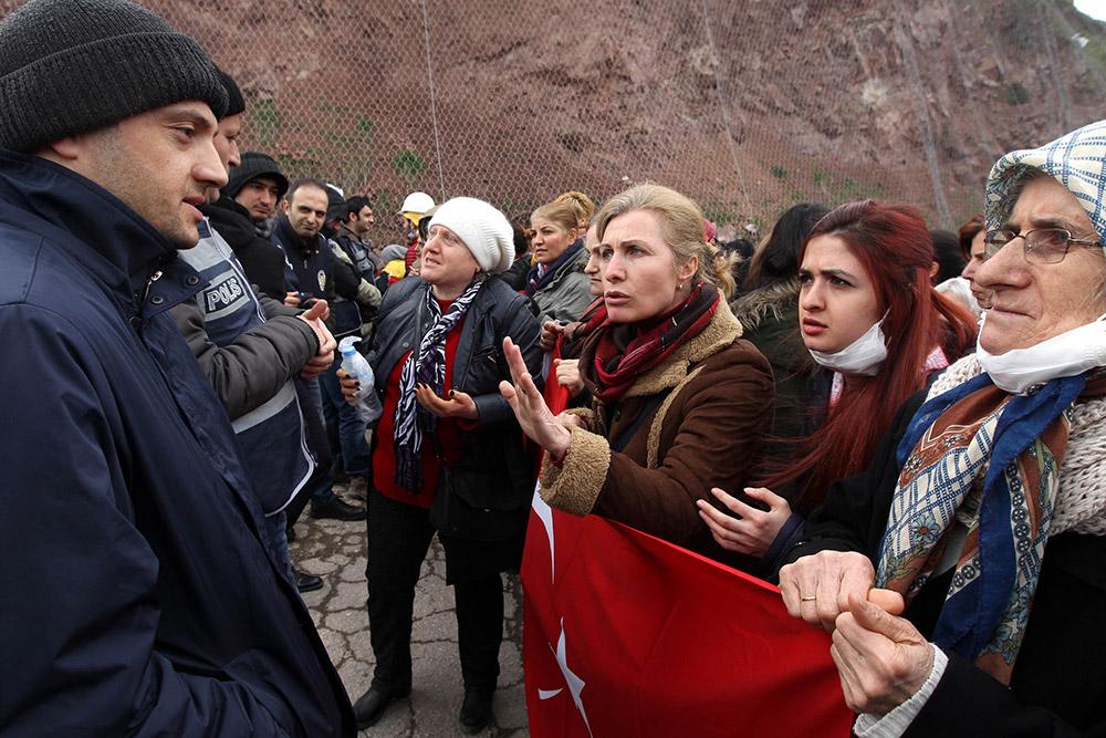 10 yılda 400 bin maden ruhsatı dağıtan AKP Cerattepe'den vazgeçmez