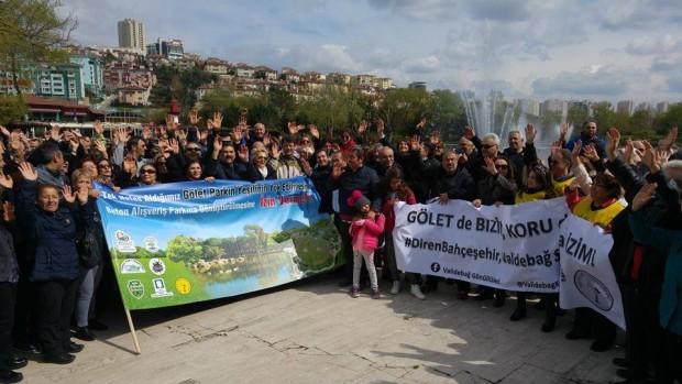 Yüzlerce Bahçeşehir Gölet Gönüllüsü park ve göletini savunmak için yürüdü