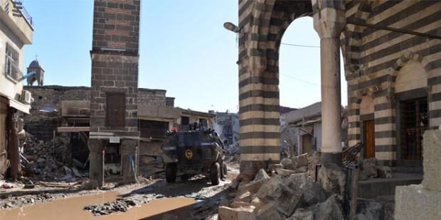 'Sur'da Kentsel Dönüşüm ve Abluka' raporu yayınlandı