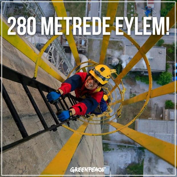 Greenpeace, 280 metrelik Soma Termik Santrali'nin bacasına tırmandı