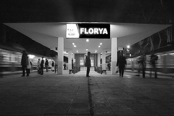 Floryalılar direndi ve kazandı: Tren istasyonu yerinde kalıyor