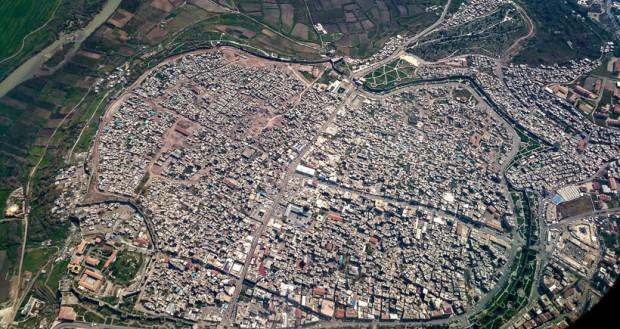 """""""Bir kenti orada yaşayanlara rağmen yıkıp, yapamazsınız!"""""""