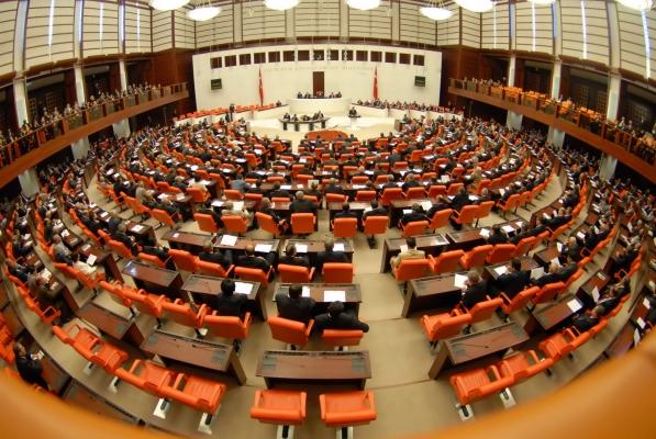 AKP, Bilirkişilik Yasası ile 'rant' peşinde