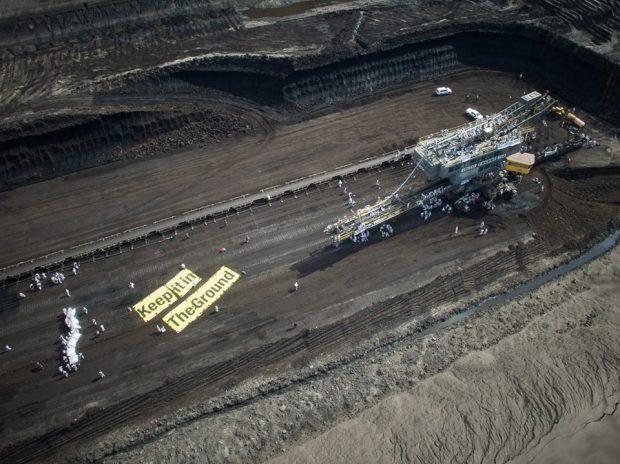 Almanya'da en büyük linyit madenlerinden biri bloke edildi!