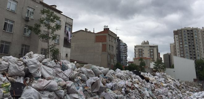 Zeytinburnu'nda kentsel dönüşüm demek, çöp ve moloz yığını demek!