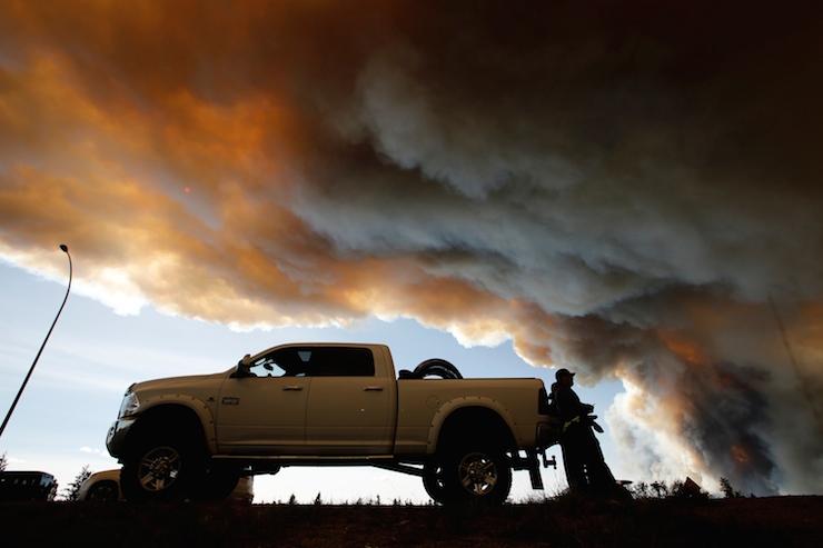 Kanada'da Bir Haftadır Süren Yangın Korkutucu Bir Şekilde Büyüyor!