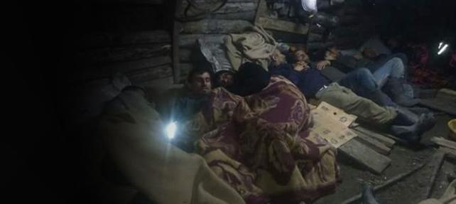 Açlık grevi yapan madencilerle irtibat kesildi