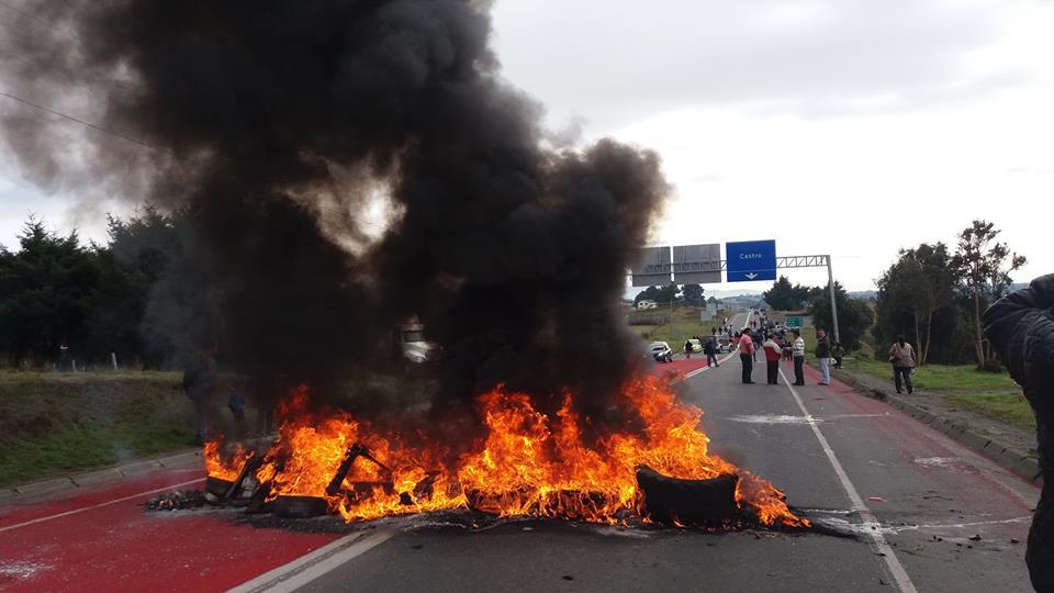 Şili Halkı çevre felaketine karşı yol kesti