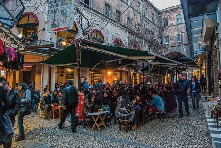 Beyoğlu'ndaki Hazzopulo Pasajı'ndaki esnafa ruhsat bahanesiyle boşaltma baskısı!