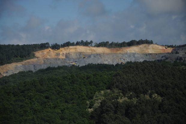 3. havalimanı inşaatı ormanı yok etmeye doymuyor: Kumtaşı Ocağını genişletiyorlar
