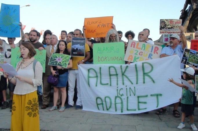 Alakır Nehri Kardeşliği: Hukuksuzluğa, doğa katliamına artık yeter!