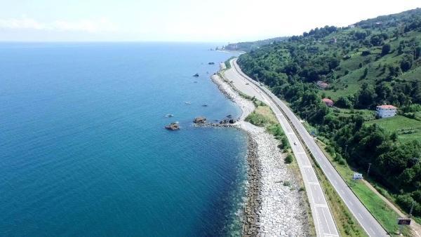 100 Milyon ton taşı Karadeniz'e dökerek yapacakları Rize Havalimanı'nın ÇED raporu kabul edildi.