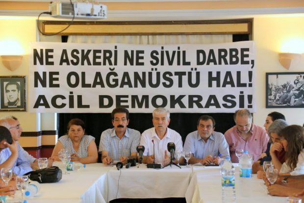 Emek ve demokrasi güçleri: Ne askeri ne sivil darbe, ne olağanüstü hal! Acil demokrasi!