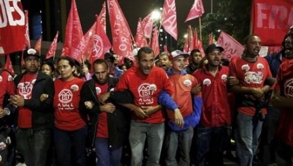 MST Topraksizlar hareketi neoliberal politikalara karşı toprak isgallerine hazırlanıyor