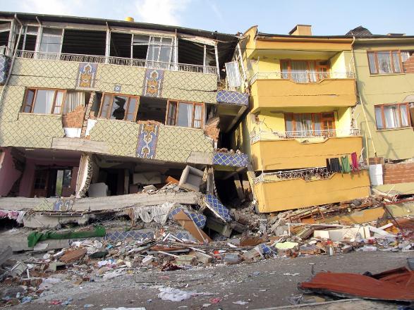 İşte deprem için alınan önlem… Kaçacağınız yerlerde bakın hangi AVM'ler var