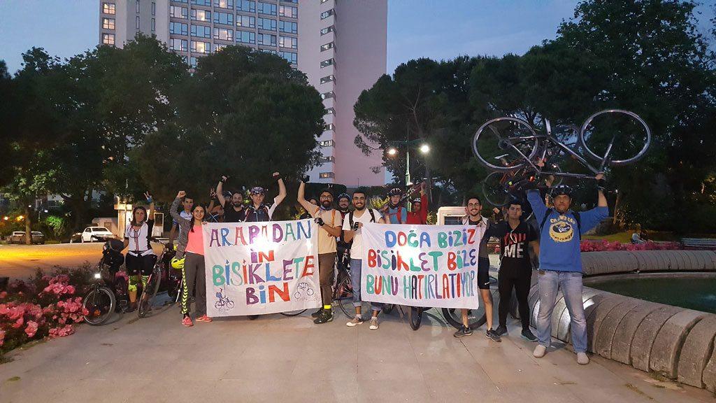 İstanbul sokaklarında bir grup Don Kişot dolaşıyor!