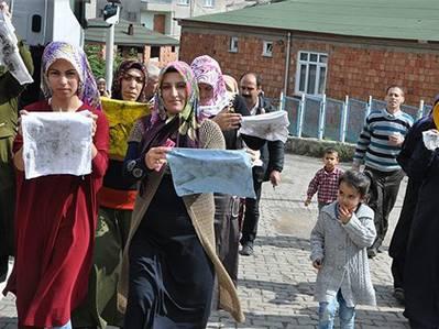 Dilovası'nda kömür ocakları protesto edildi