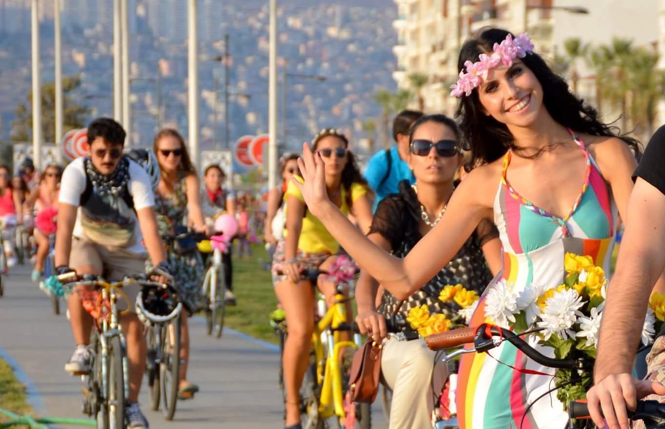 25 Eylül'de Süslü Kadınlar Bisiklet Turu 2016 için Hazırız!