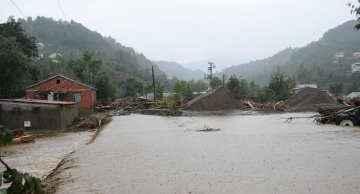 Trabzon'da sel: Derelerin taşması sonucu iki kişi hayatını kaybetti