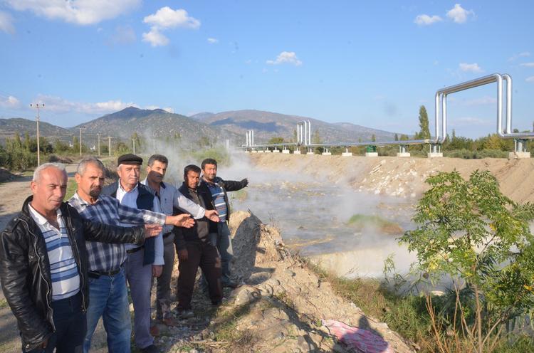 Aydın'da jeotermal şirketi iki yıldır Kayran Çayı'na kanser yapan sıcak su akıtıyor, köylüler mücadelede