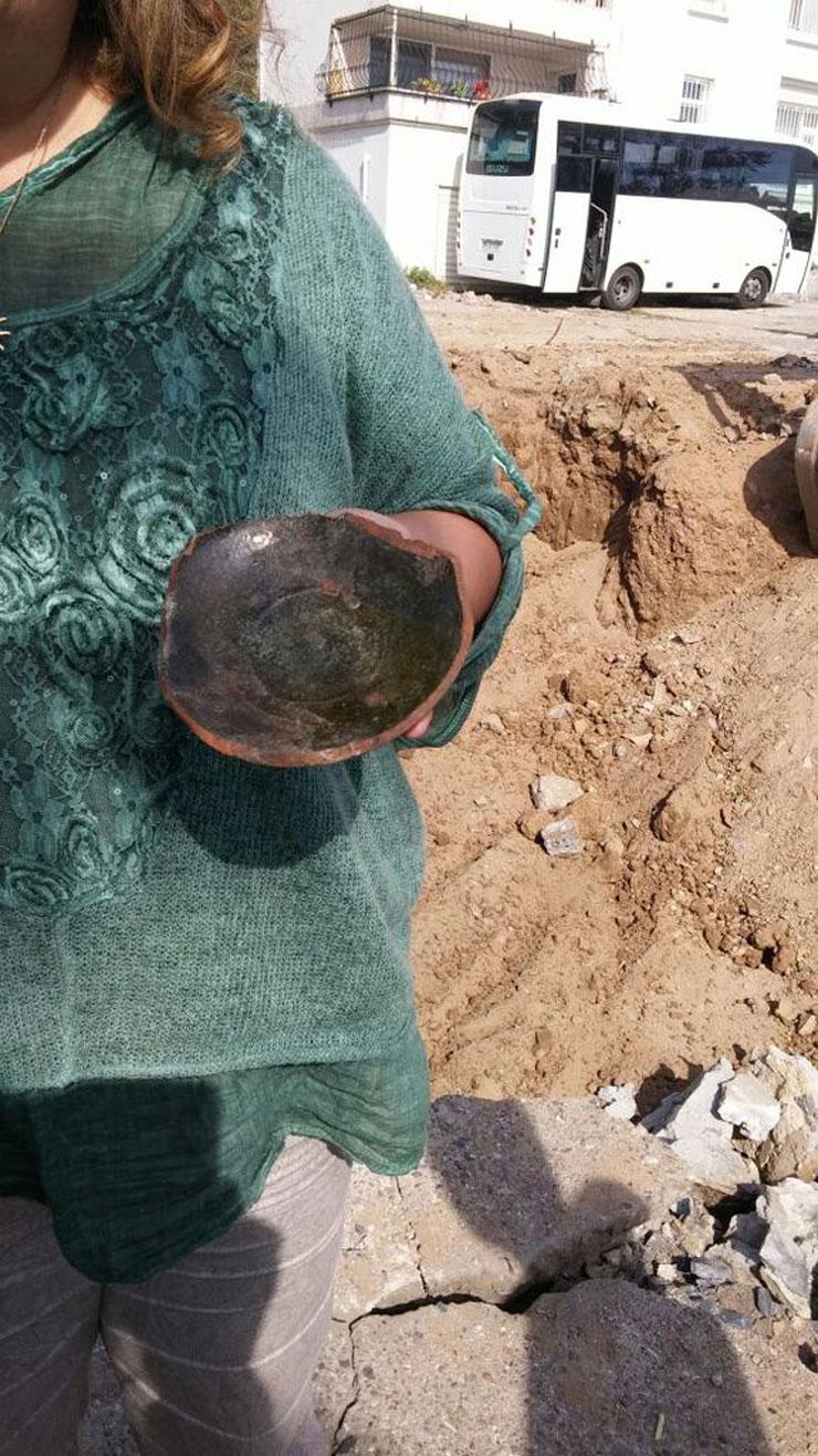 İzinsiz kazı ısrarını Osmanlı seramiği önledi: Roma Parkı'nda kazı durduruldu